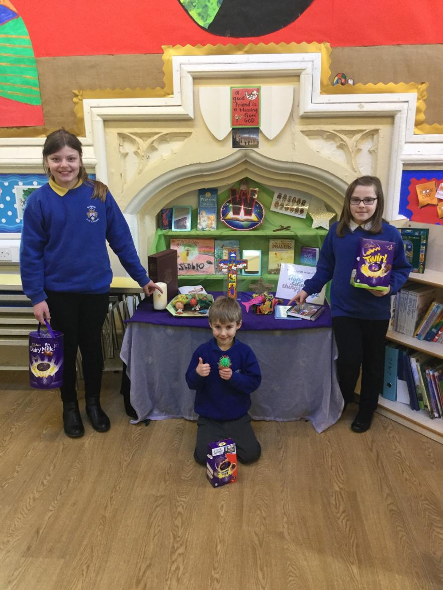 Decorate an egg competition